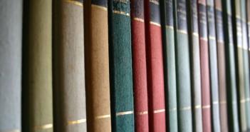 books-1423387-1280x850